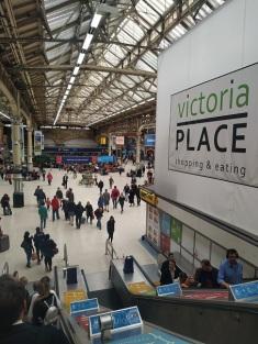 5 victoria underground station