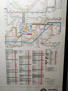 6 victoria underground station