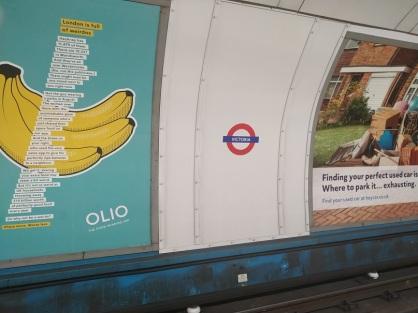7 victoria underground station